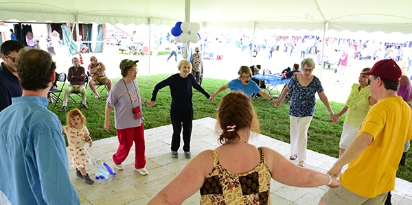 Community Members Celebrate at First-Ever IsraelFest!
